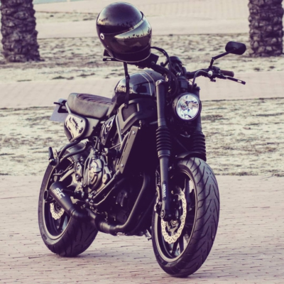 Rad until the end! 💣 #yamaha #xsr700 #fastersons @fastersonsfans #custommade #caferacer #scrambler #tracker #motorcyclesofinstagram #supermoto #streettracker #caferacerbarcelona #justride #caferacerxxx