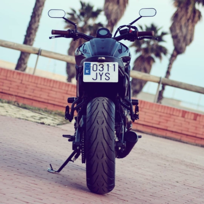 Shappie ass! ✊ #yamaha #xsr700 #fastersons @fastersonsfans #custommade #caferacer #scrambler #tracker #motorcyclesofinstagram #supermoto #streettracker #caferacerbarcelona #justride #caferacerxxx